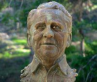 Busto dedicado a Paco Martínez Soria en el «Parque Grande» de Zaragoza.