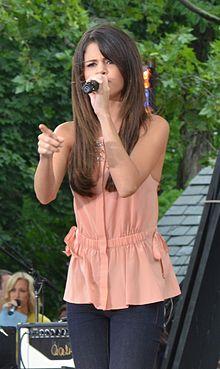 Selena Gomez 2011 3.jpg